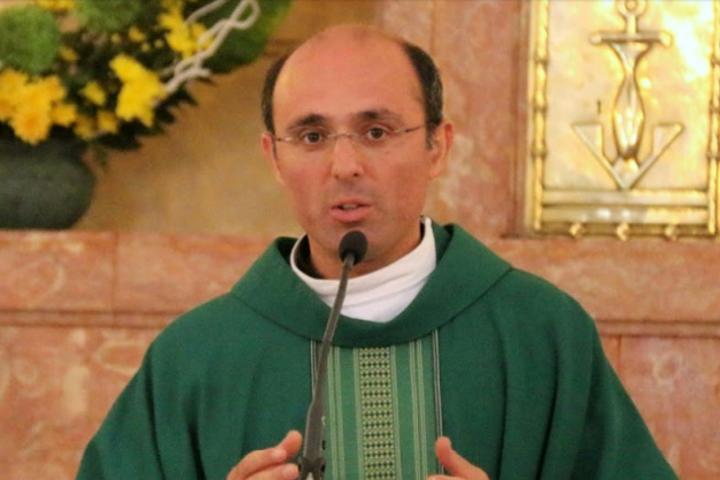 Padre Sérgio Bruno da Costa Mendes o novo pároco da nossa Paróquia