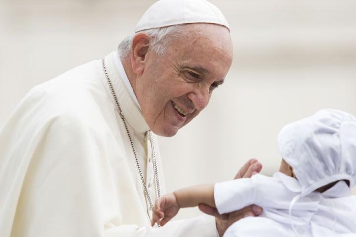 Natal: não deixar de lado o festejado, pede Papa
