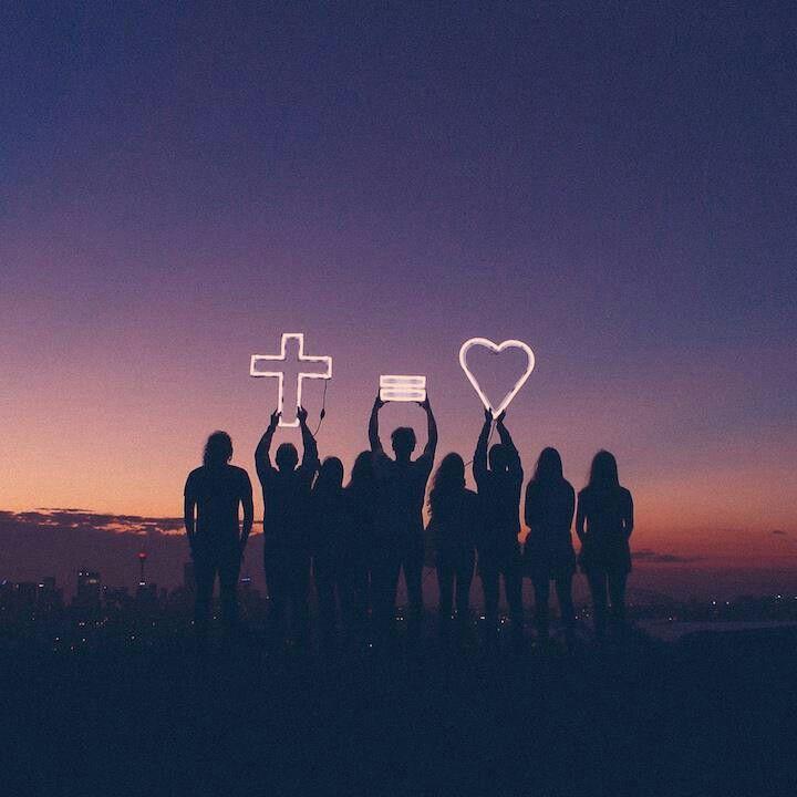 """Noite de Oração Comunitária """"A Alegria de ser Igreja com o Ressuscitado."""""""